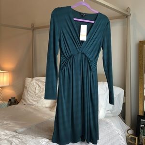 Kennth Cole Emerald Long sleeved polyester dress